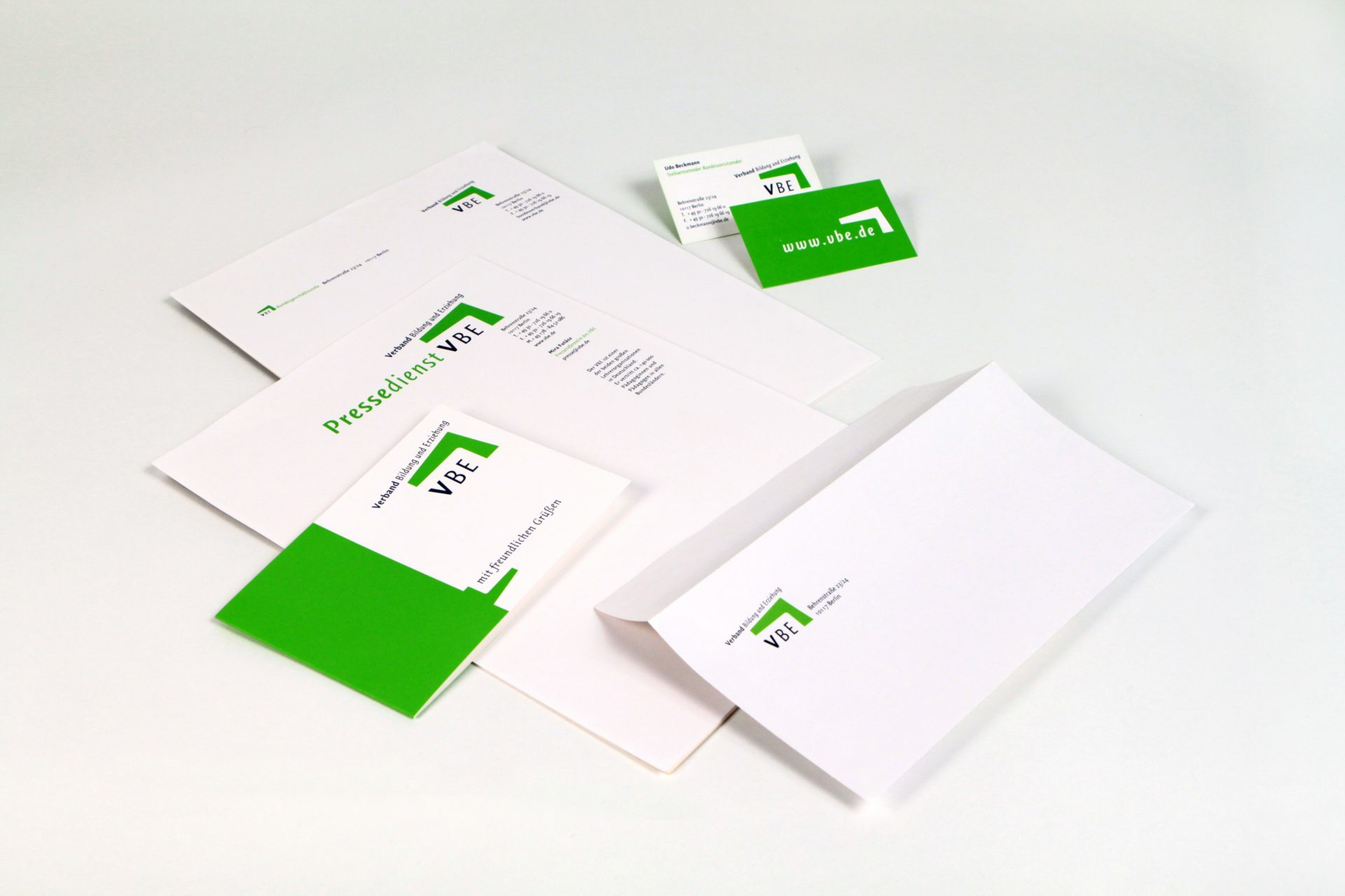 Visitenkarten, Briefbogen, Kurzmitteilung - Typoly