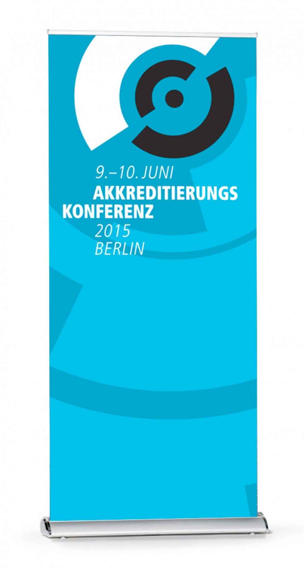 Aufsteller für die Akkreditierungskonferenz - Veranstaltungsdesign- Typoly
