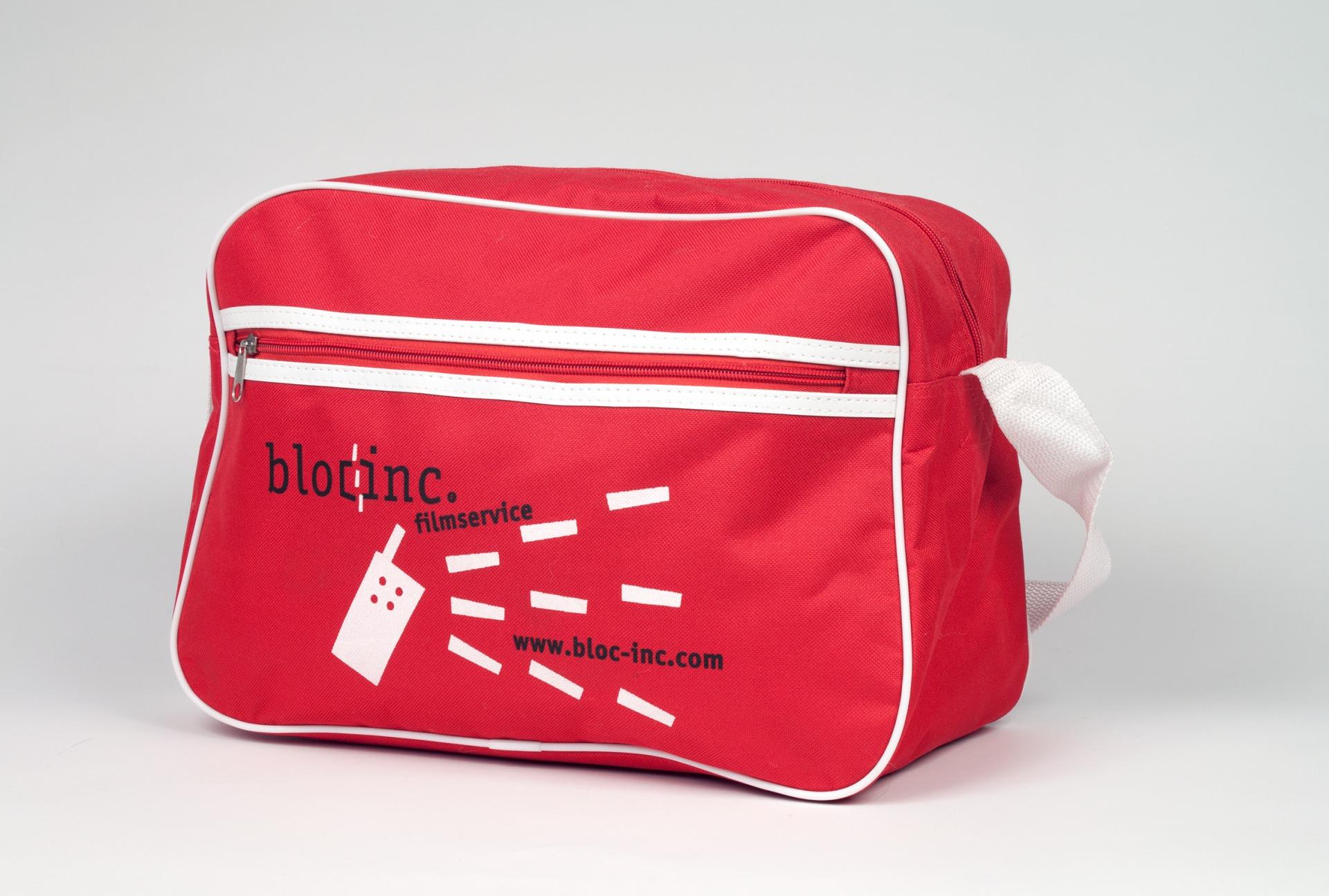 Bedruckte Tasche im Corporate Design des Unternehmens - Typoly