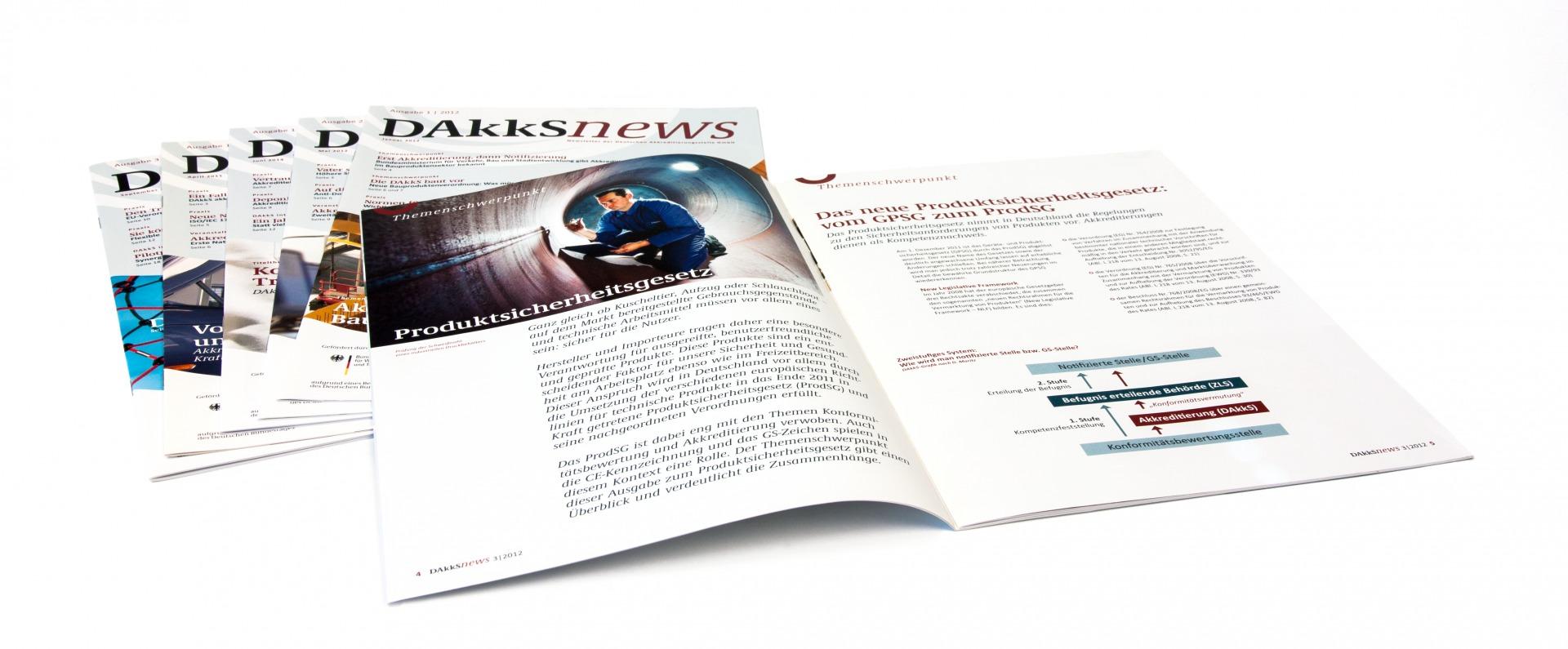 Newsletter Innenseiten mit Fotos und Diagrammen im Corporate Design - Typoly