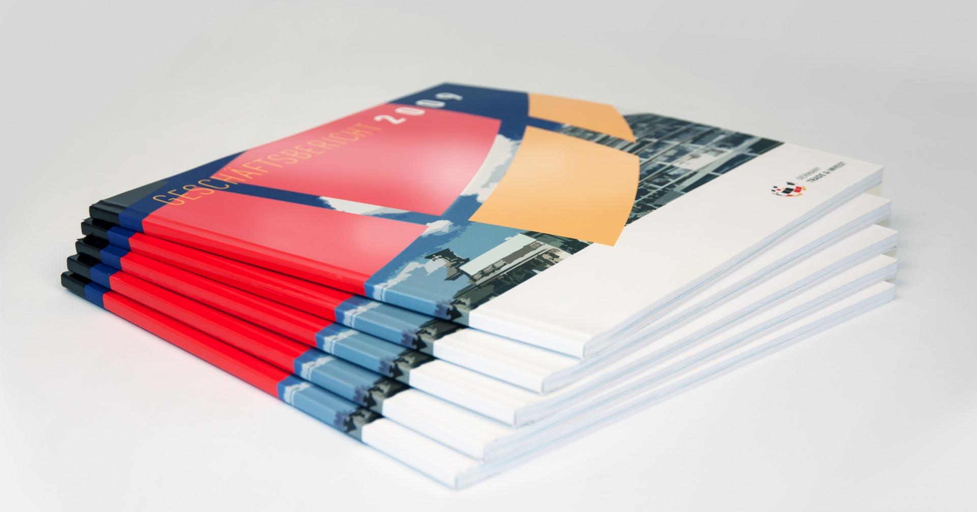 Geschäftsberichte im Coporate Design des Unternehmens - Typoly