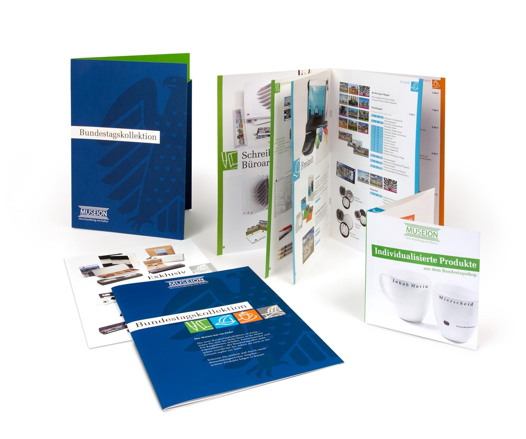 Produktkatalog Bundestagskollektion, Design Mappe, Titel- und Innenseiten - Typoly