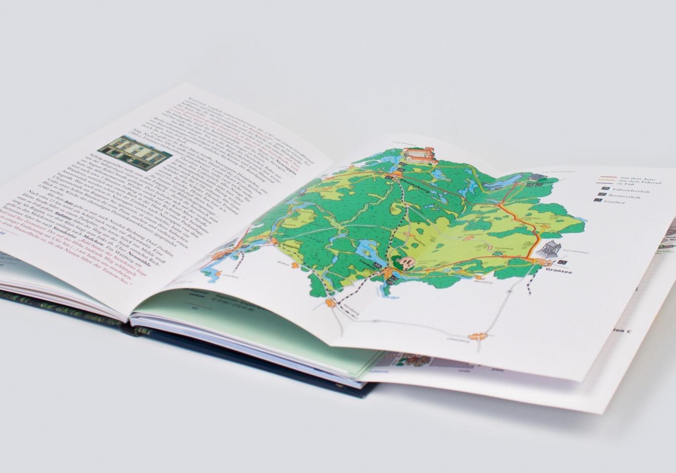 Fontanebuch mit illustrativen Karten und Stadtplänen - Typoly